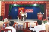 Đảng ủy xã Tân Thành tổ chức Lễ trao tặng Huy hiệu 30 năm tuổi Đảng.